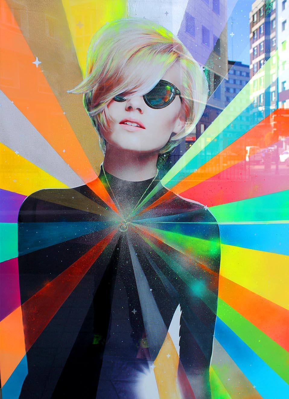 Neon Lady by Eduardo Morales en la peluquería corto y cambio (detalle)